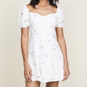 2 for $50 🌷 Re:named cute dress with embroidery